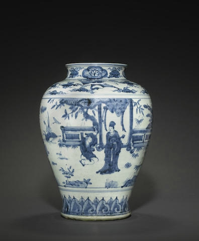 A blue and white porcelain storage jar, guan, 16th-17th century