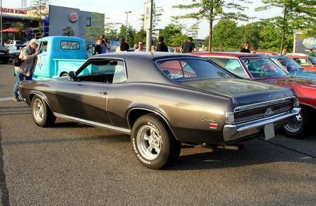Mercury_cougar_hardtop_coupe_de_1969__Rencard_du_Burger_King_mai_2011__02