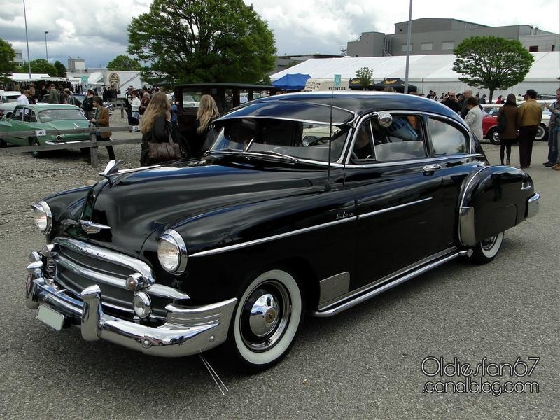 chevrolet-fleetline-deluxe-2door-sedan-1950-01