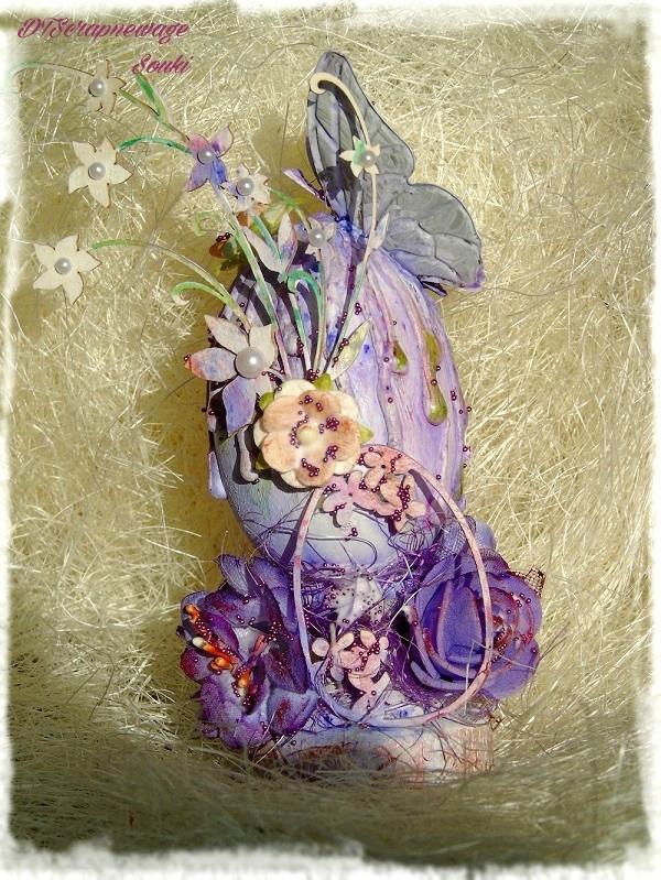 Oeuf de Pâques sur son support