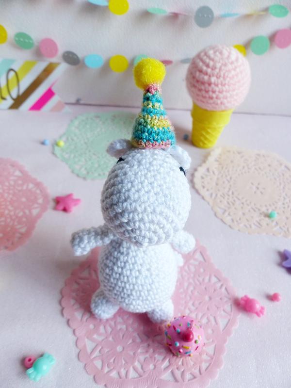 04-moomin-crochet-chapeau-fete-vivyane-veka