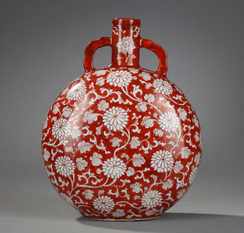 Iron red ground porcelain moonflask decorated with flowers, Kangxi period (1662-1722)