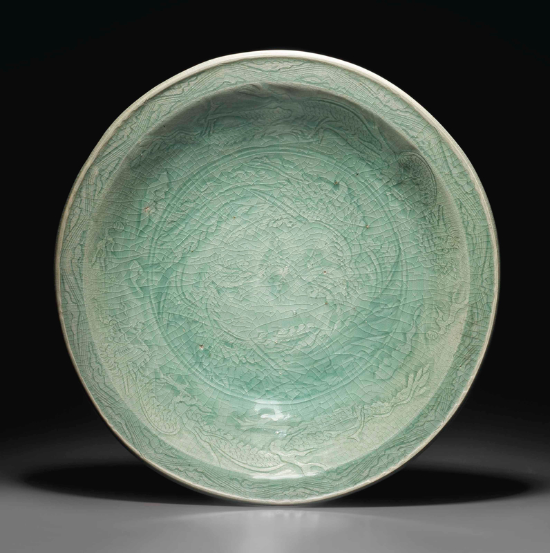 A large Zhejiang celadon charger, Ming dynasty (1368-1644)