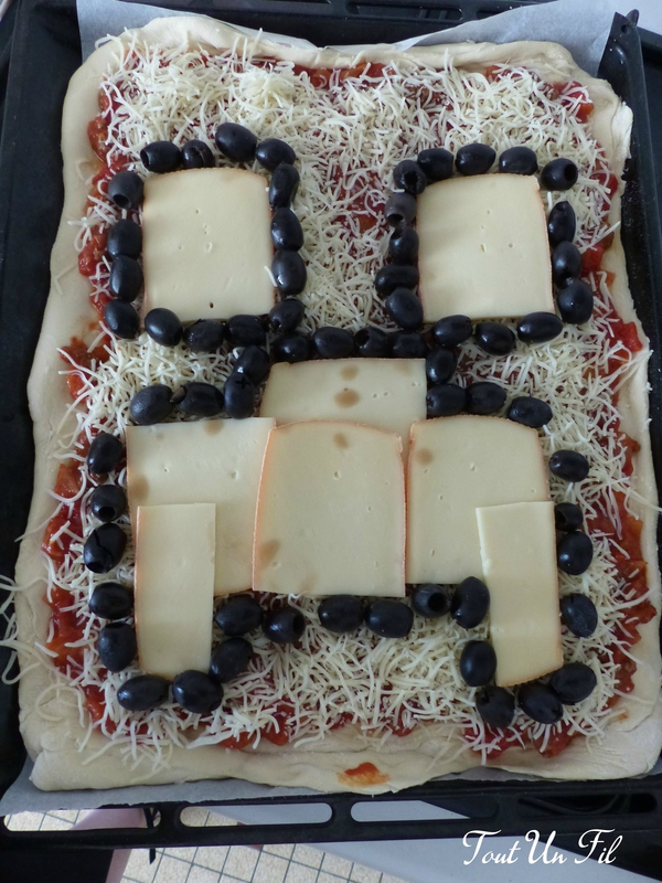 DIY Creeper Pizza Minecraft Anniversaire