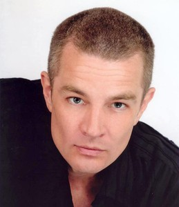 james_marsters_official_photoshoot_november_2004_1