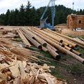 2009 08 07 Le fustier Frédéric Monteil qui construit sa propre maison à la Côte Chaude (10)