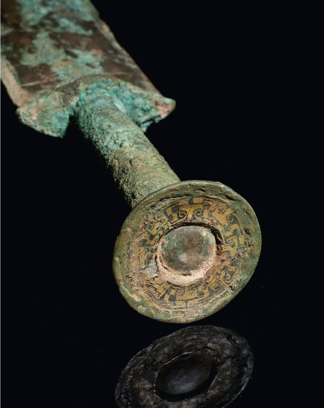 2013_NYR_02689_1234_002(a_very_rare_and_important_gold-inlaid_bronze_sword_eastern_zhou_dynast) (2)