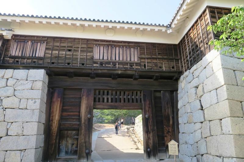 16-05-17_09_Matsuyama_château