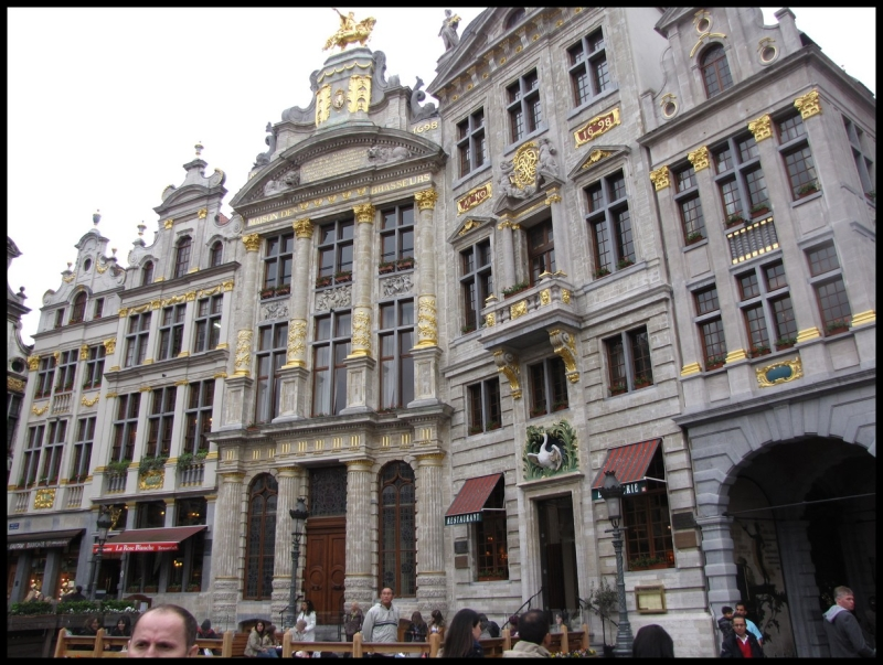 17.Grand Place