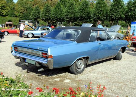 Opel_diplomat_type_A_V8_coup__de_1966__9_me_Classic_Gala_de_Schwetzingen_2011__02