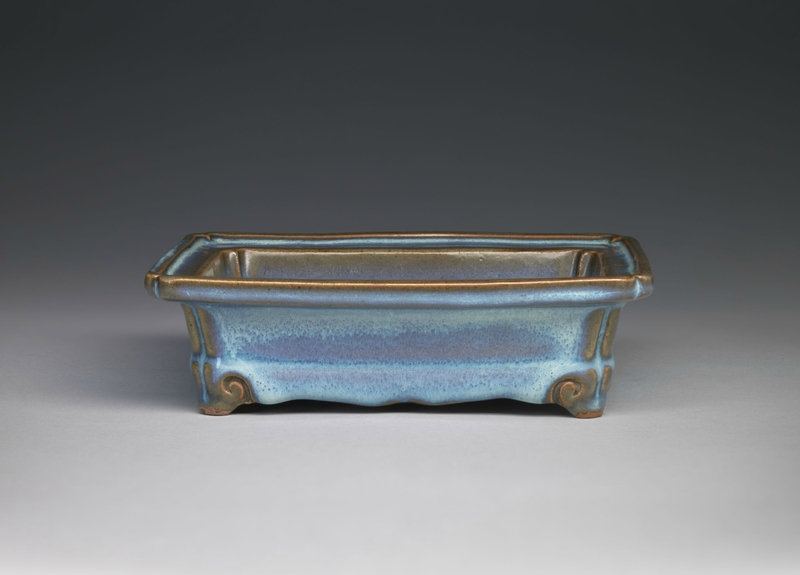Rectangular Basin with Notched Corners and Four Cloud Scroll Feet, Ming dynasty, 1368-1644, probably 15th century