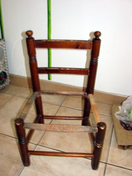 petite chaise mal en point