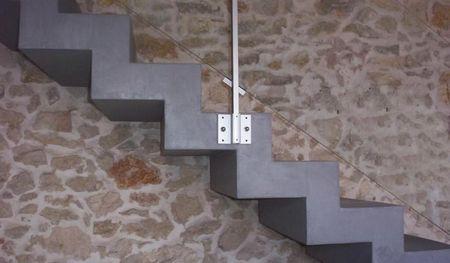 B_ton_cir__escalier