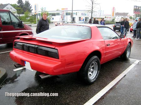 Pontiac firebird custom (1982-1992)(Rencard Burger King mai 2013) 02