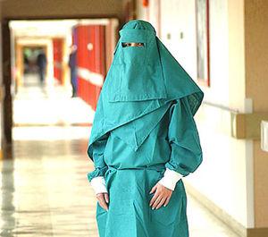 Burka_m_dicale_propos_e_au_nom_du_mulitculturalisme_dans_les_h_pitaux_britanniques