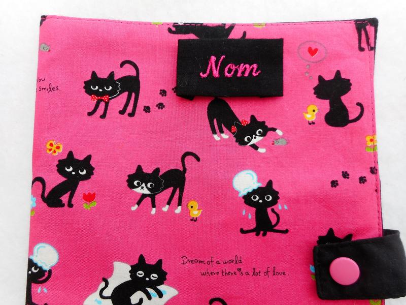 Grand protège carnet chats noirs fuchsia zoom