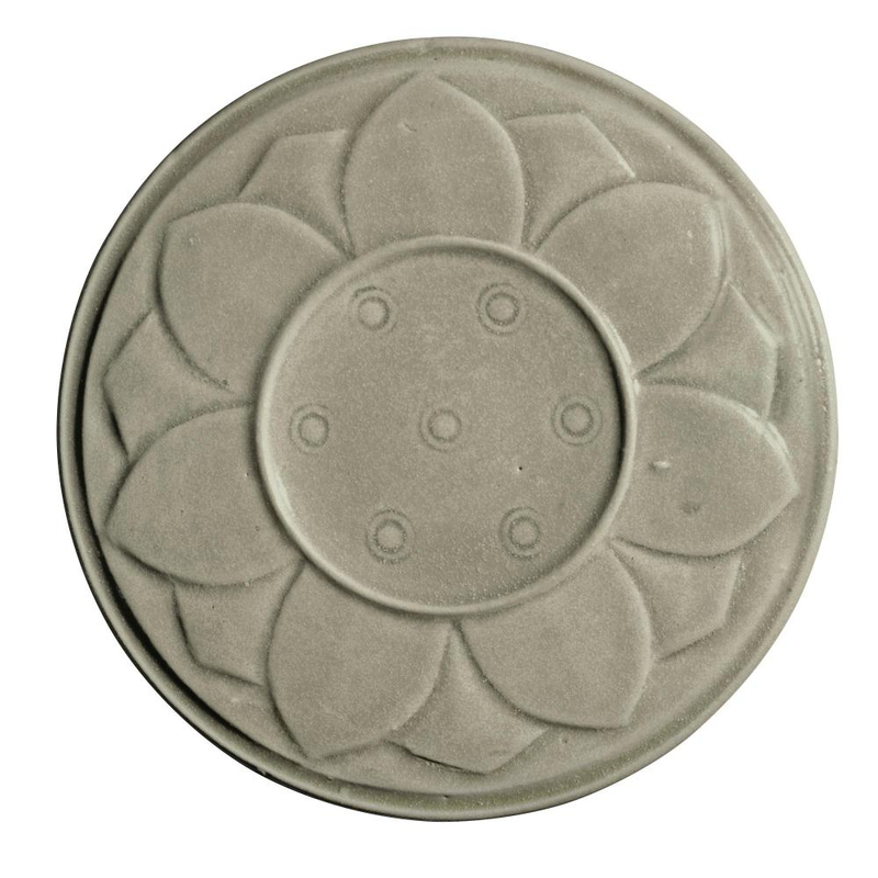 A Yue 'Lotus'box and cover, Song dynasty (960-1279)