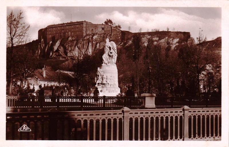Belfort CPA Monument aux Morts La nuit