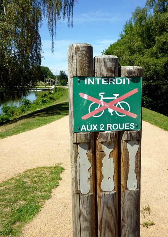 6-interdit aux cyclistes
