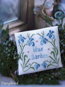 iris blue garden2