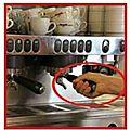 Syndrome du canal carpien chez un agent d'accueil avec une vraie fausse origine professionnelle de travail de cafetier !