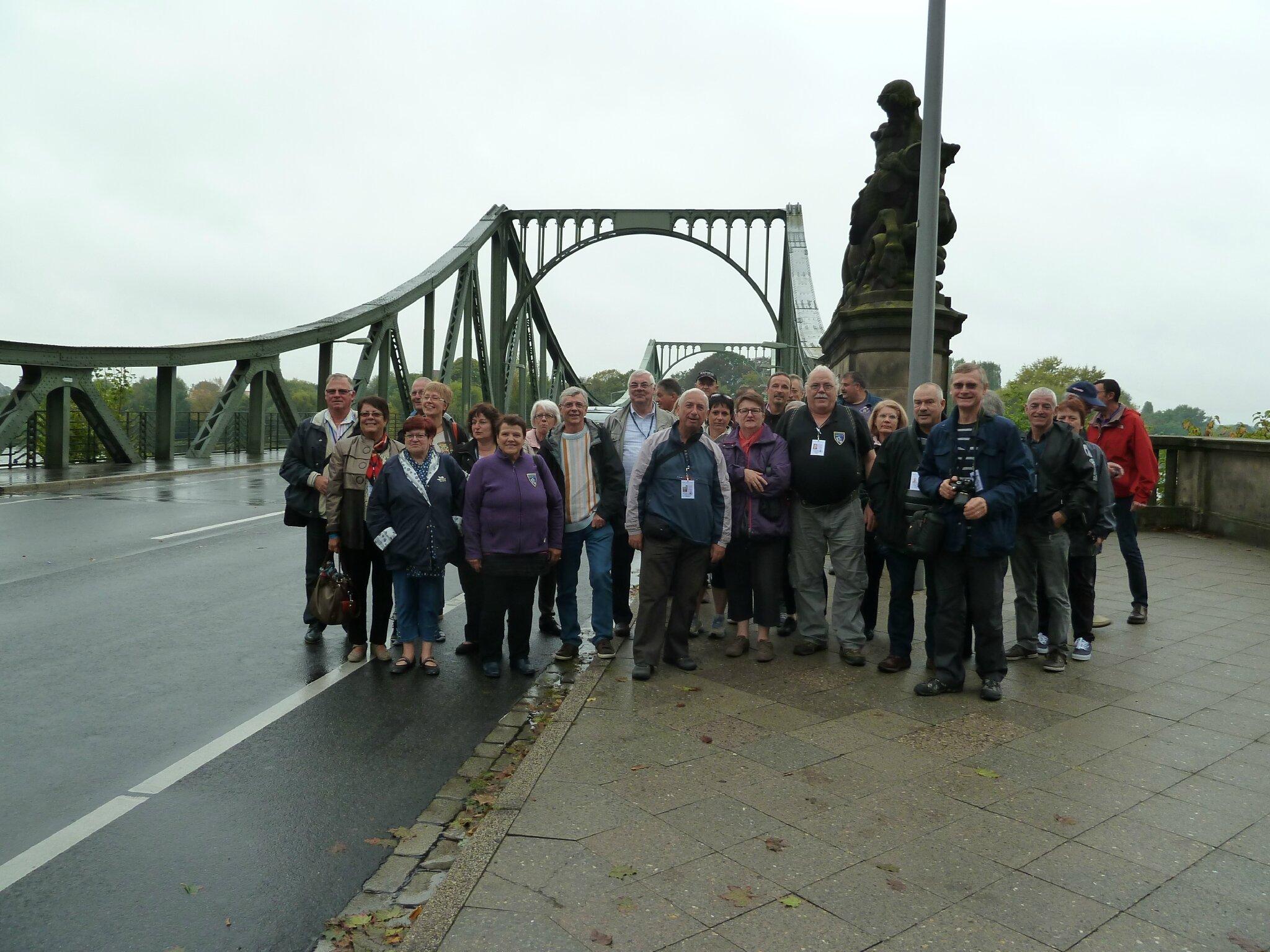 Groupe Car N°2 pont de Glienicke