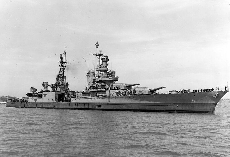 1280px-USS_Indianapolis_(CA-35)_off_the_Mare_Island_Naval_Shipyard_on_10_July_1945_(19-N-86911)
