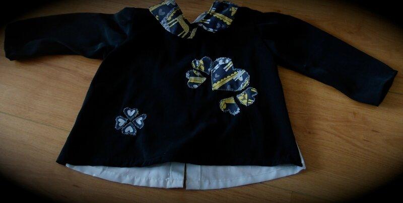 Enfant-T_shirt_col_V_noir_coeur-1