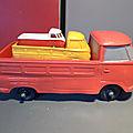 Tomte laerdal, le combi vw pick-up de taille xxl ! un jouet en vynil vintage à l'échelle 1/20 ème assez rare...
