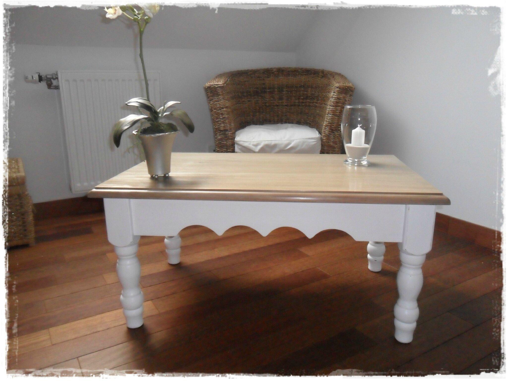 nouveau look pour table en pin broc et patine le. Black Bedroom Furniture Sets. Home Design Ideas