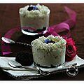 Transparence de cheesecake aux myrtilles sauvages du canada, présenté en verrine ou sur assiette.......