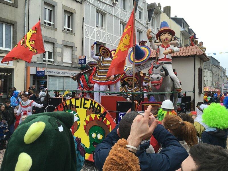 Carnaval de Granville la Grande Cavalcade dimanche 7 février 2016 char USA indépendance rue Courraye