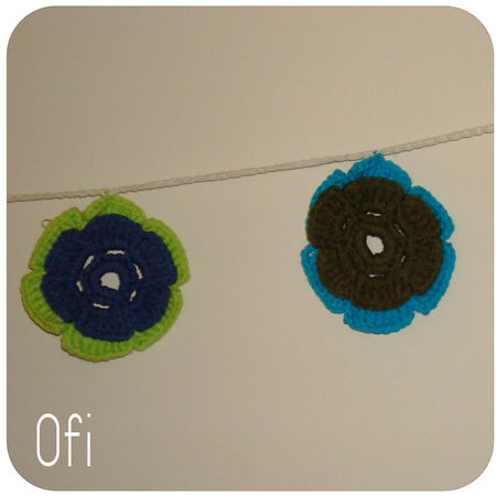 guirlande_vert_et_bleu_fleurs_3