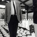 Claes Oldenburg with cake slices 1966