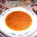 Bouillon de tomates piquante de mamy et de sara.