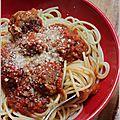 Spaghetti aux boulettes de viande et sauce tomate maison