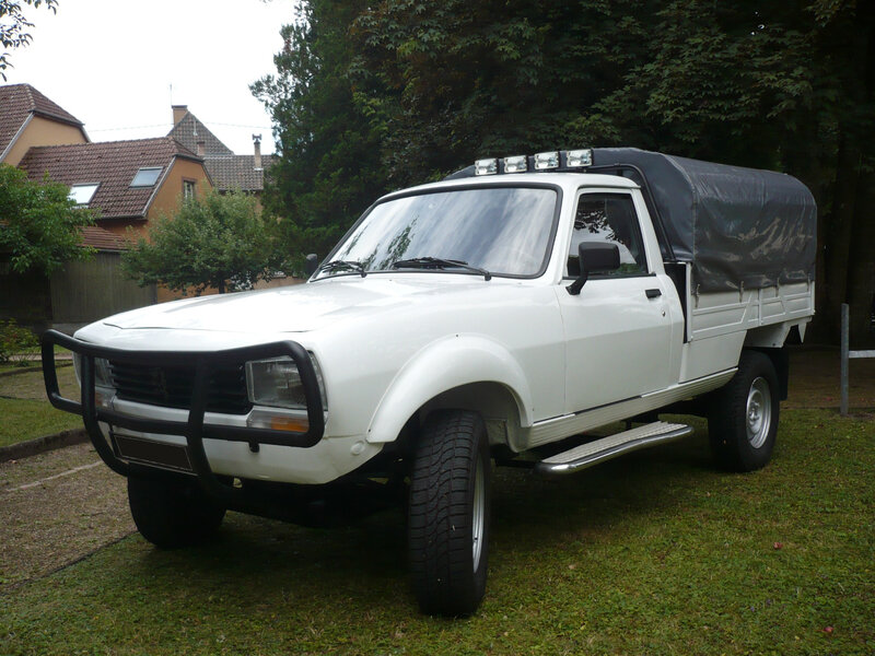 PEUGEOT 504 pick-up Woerth (1)