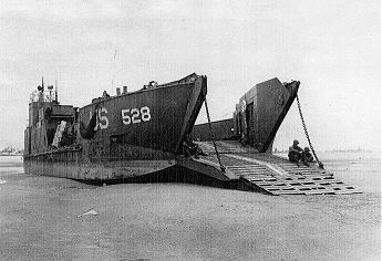 Image result for image barges militaires de débarquement