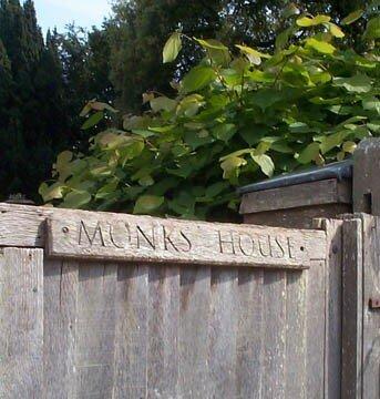 monks_20house_20gate