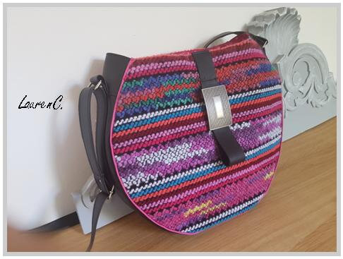 SAC ROND TRICOT PATTE CUIR COTE