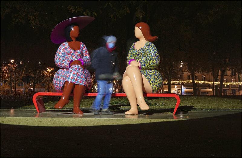 Niort statues dame fantôme 3 071120