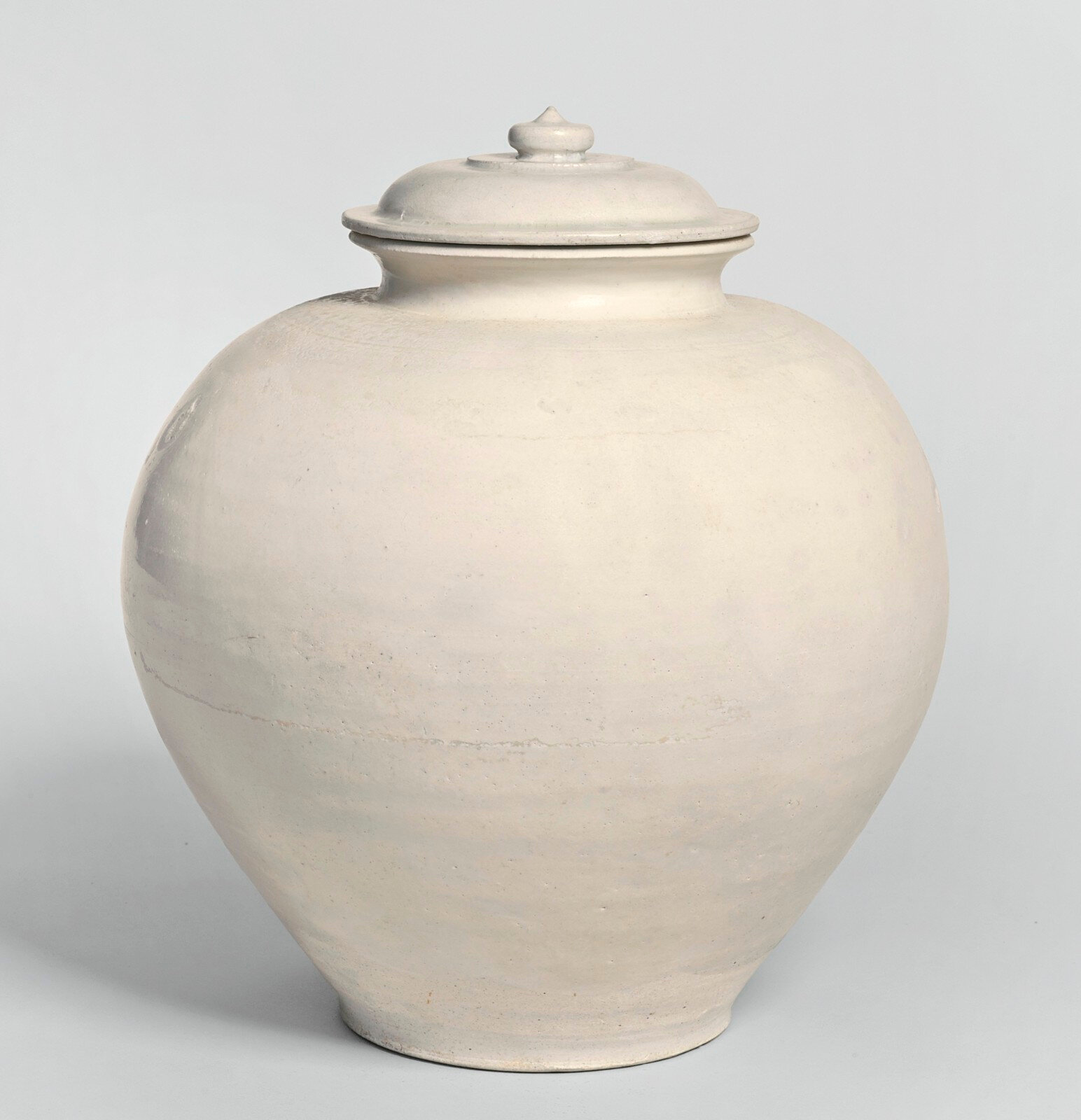 A glazed white jar and cover, Tang dynasty
