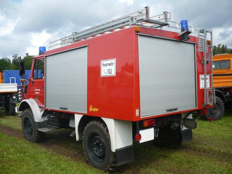UNIMOG 1300L Freiwillige Feuerwehr Deckenpfronn équipé par Ziegler Bad Teinach - Schmieh (2)