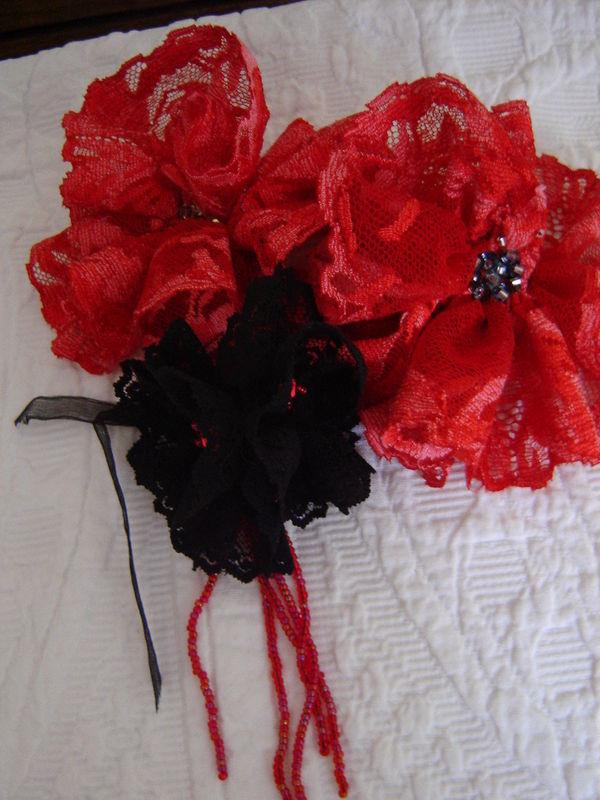 roses rouges et une noire