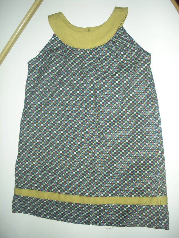 Robe à encolure ronde ! - Je couds Citronille 7aa1a7354451