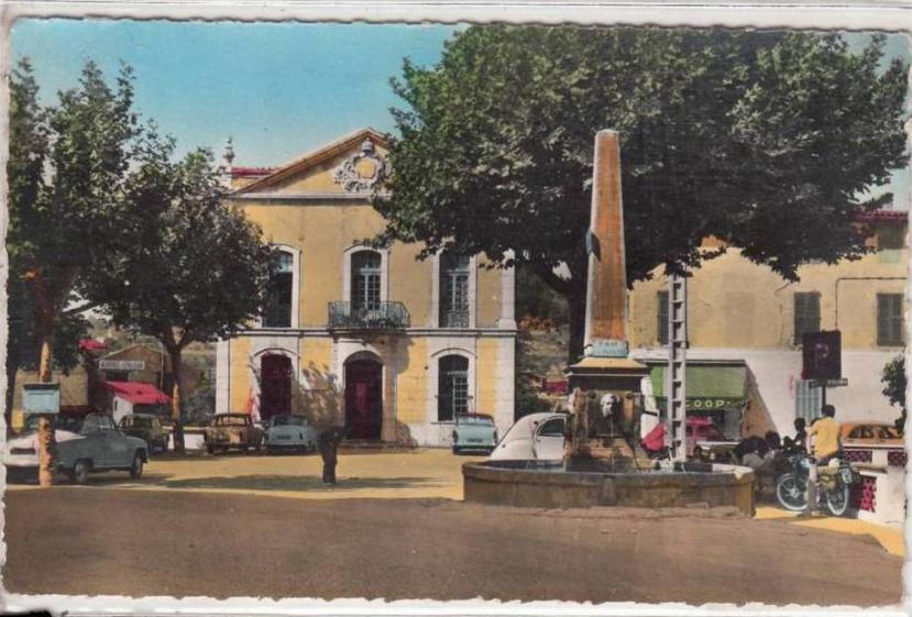 Trans en Provence-Place de l'Hôtel de ville 1