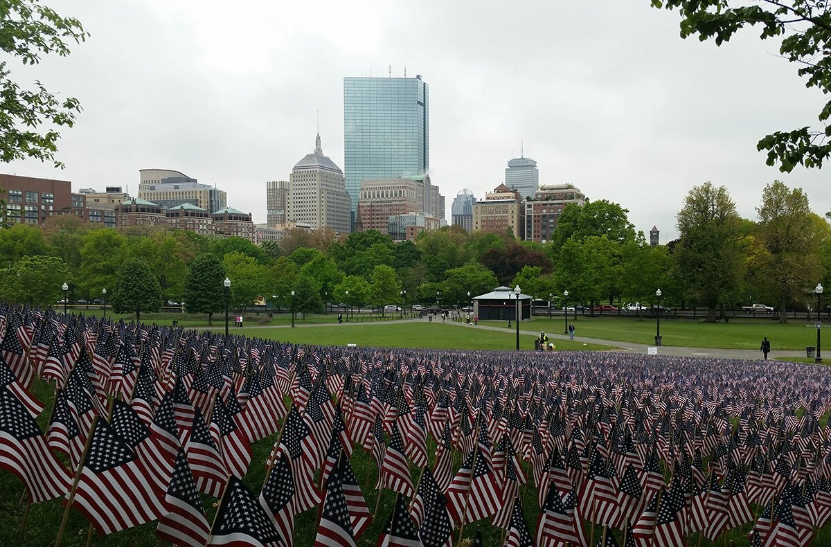 memorial-day-flags-boston-common-2014-2