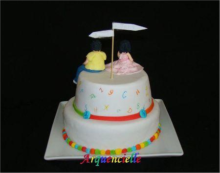 Gâteau école, collège vue dos