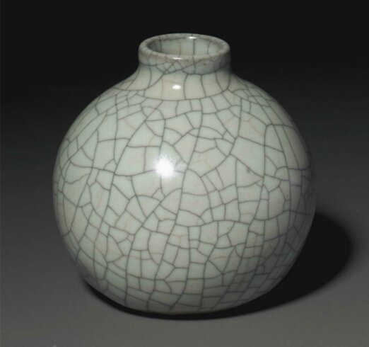 An exquisite and exceptionally rare Geyao water pot, Southern Song-Yuan dynasty (1127-1279)