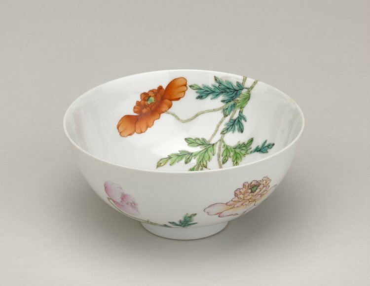 A bowl with red and white poppies, Yongzheng mark and period (1723-1735)